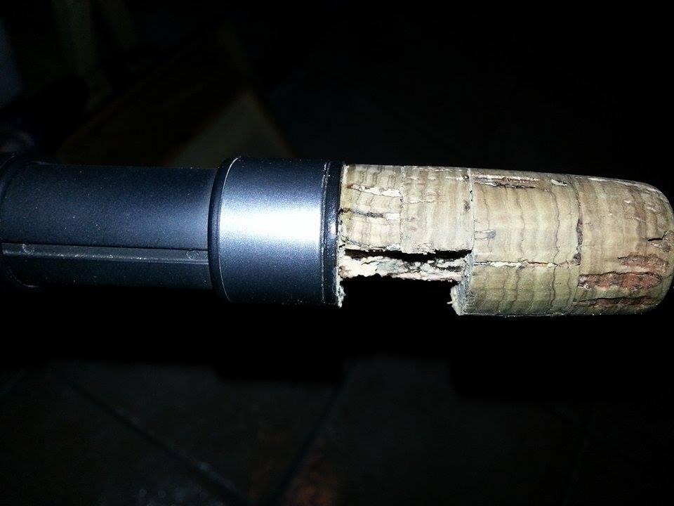 riparare portamulinello sughero canna pesca 4